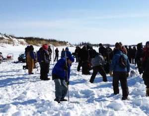 Ice picking contestants. Photo by Danielle Ballard-Huffman